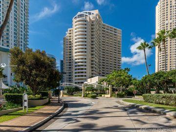 888 Brickell Key Dr #802, Miami, FL, 33131,