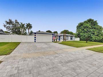 6931 SW 11th ST, Plantation, FL, 33317,