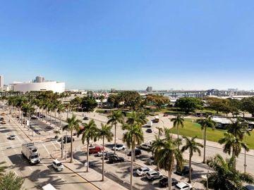 253 NE 2nd St #1106, Miami, FL, 33132,