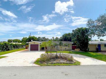 1021 NW 81st Ave, Pembroke Pines, FL, 33024,