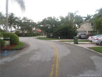 2124 NW 171st Ter, Pembroke Pines, FL, 33028,