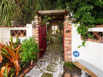 1201 W 63rd St, Miami Beach, FL, 33141,