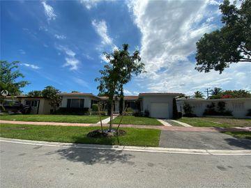 Undisclosed Address, Miami Beach, FL, 33141,