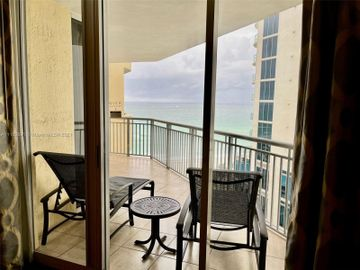 17375 Collins Ave #905, Sunny Isles Beach, FL, 33160,