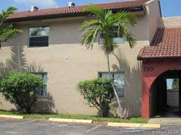 728 SW 81st Ter #15B, North Lauderdale, FL, 33068,