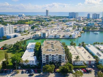 6937 Bay Dr #512, Miami Beach, FL, 33141,