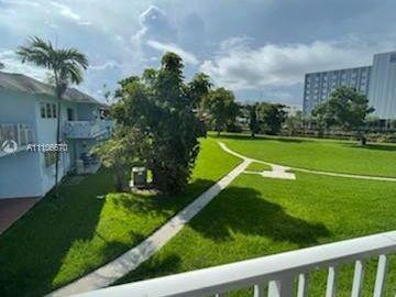 7650 SW 82nd St #H203, Miami, FL, 33143,