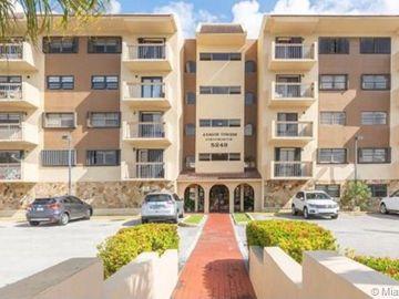 5249 NW 7th St #211, Miami, FL, 33126,
