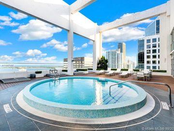 55 SE 6th St #2105, Miami, FL, 33131,