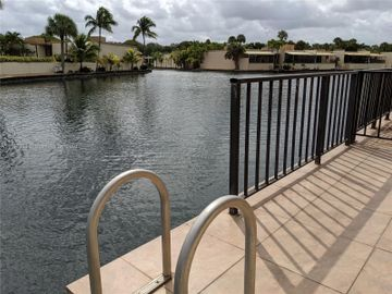 6954 Crown Gate Dr #0, Miami Lakes, FL, 33014,