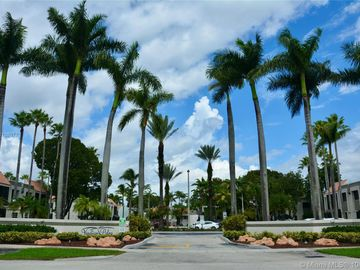 7949 SW 104th St #D214, Miami, FL, 33156,