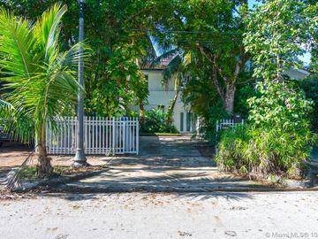 1036 NW North River Dr, Miami, FL, 33136,