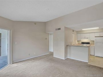 620 S Park Rd #36-2, Hollywood, FL, 33021,
