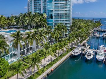 1000 S Pointe Dr #TH-M4, Miami Beach, FL, 33139,