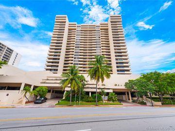 2555 Collins Ave #2306, Miami Beach, FL, 33140,