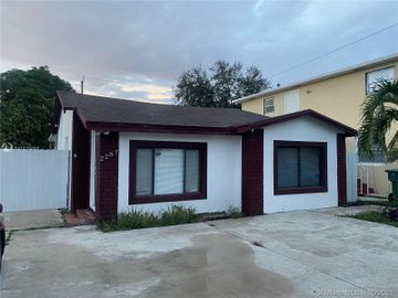 2287 NW 93rd St, Miami, FL, 33147,