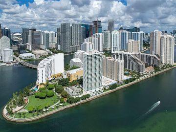 800 Claughton Island Dr #2103, Miami, FL, 33131,