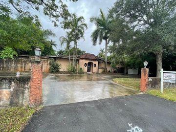 460 NE 154th St, Miami, FL, 33162,
