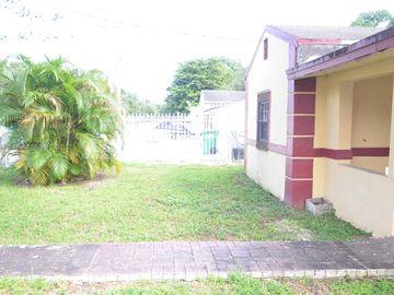 2424 NW 88th St, Miami, FL, 33147,