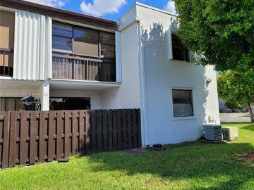 9407 Fontainebleau Blvd #112, Miami, FL, 33172,