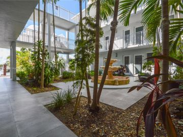 2430 NE 135th St #201, North Miami, FL, 33181,