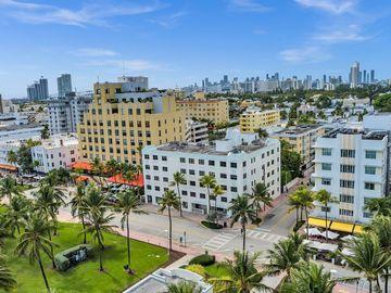 1390 Ocean Dr #206, Miami Beach, FL, 33139,