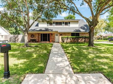 5021 Westwood Drive, Dickinson, TX, 77539,