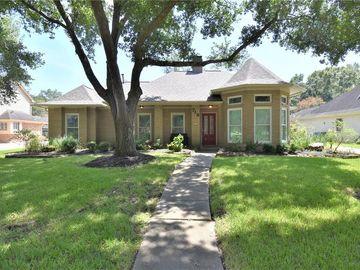 718 Olde Oaks Drive, Dickinson, TX, 77539,