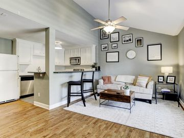1860 White Oak Drive #322, Houston, TX, 77009,