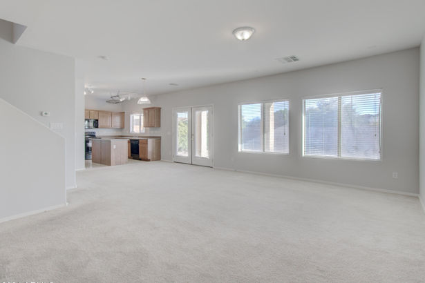 3313 W MINERAL BUTTE Drive