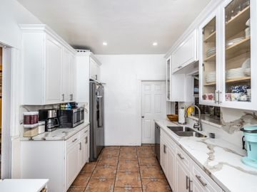 1305 W 35th Place, Los Angeles, CA, 90007,