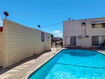 7135 coldwater canyon, North Hollywood, CA, 91605,