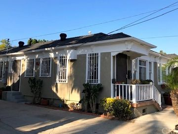 1746 E Florida Street, Long Beach, CA, 90802,