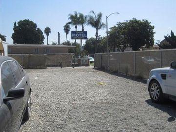 1665 Parade Street W, Long Beach, CA, 90810,