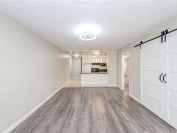 320 S Gramercy Place #107, Los Angeles, CA, 90020,