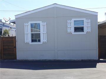 7560 Woodman Pl. #54, Van Nuys, CA, 91405,