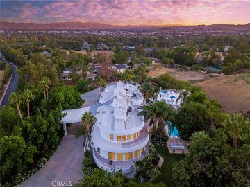 10829 Winnetka Avenue, Chatsworth, CA, 91311,
