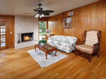 7752 Glassport Avenue, Canoga Park, CA, 91304,
