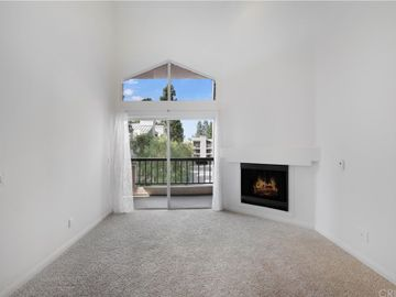 21400 Burbank Boulevard #315, Woodland Hills, CA, 91367,
