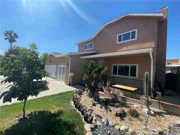 7055 Bellaire Avenue, North Hollywood, CA, 91605,
