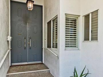 2708 S Beverly Drive, Los Angeles, CA, 90034,