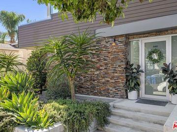 5401 W Wilshire Vista Lane, Los Angeles, CA, 90019,