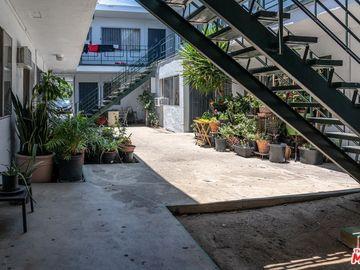 1521 Arlington Avenue, Los Angeles, CA, 90019,