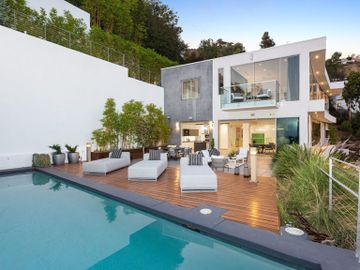 8613 W Hollywood Boulevard, Los Angeles, CA, 90069,