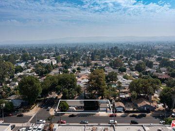 8557 Chimineas Avenue, Northridge, CA, 91325,