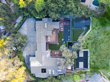 16041 Woodvale Road, Encino, CA, 91436,