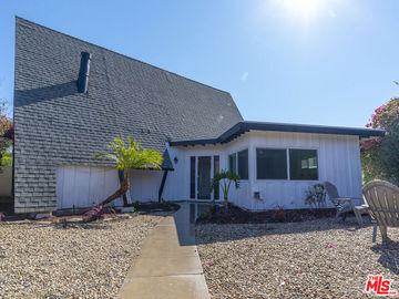 9754 Swinton Avenue, North Hills, CA, 91343,