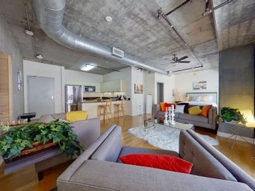 645 W 9Th Street #516, Los Angeles, CA, 90015,