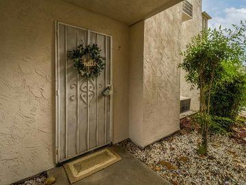 520 Sandalwood Place #7, Escondido, CA, 92027,