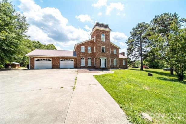 2379 Becky Hill Road
